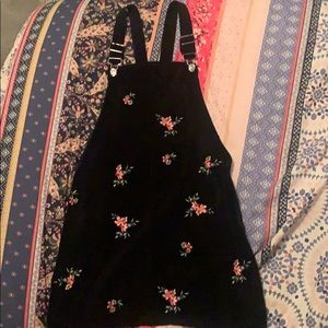 Shorty black floral embroidered jumper